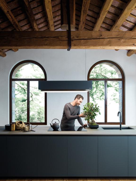 Falmec | Levante graphite, resistance and versatility
